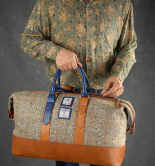 Weathered Weekender for elegant man handmade with harris tweed
