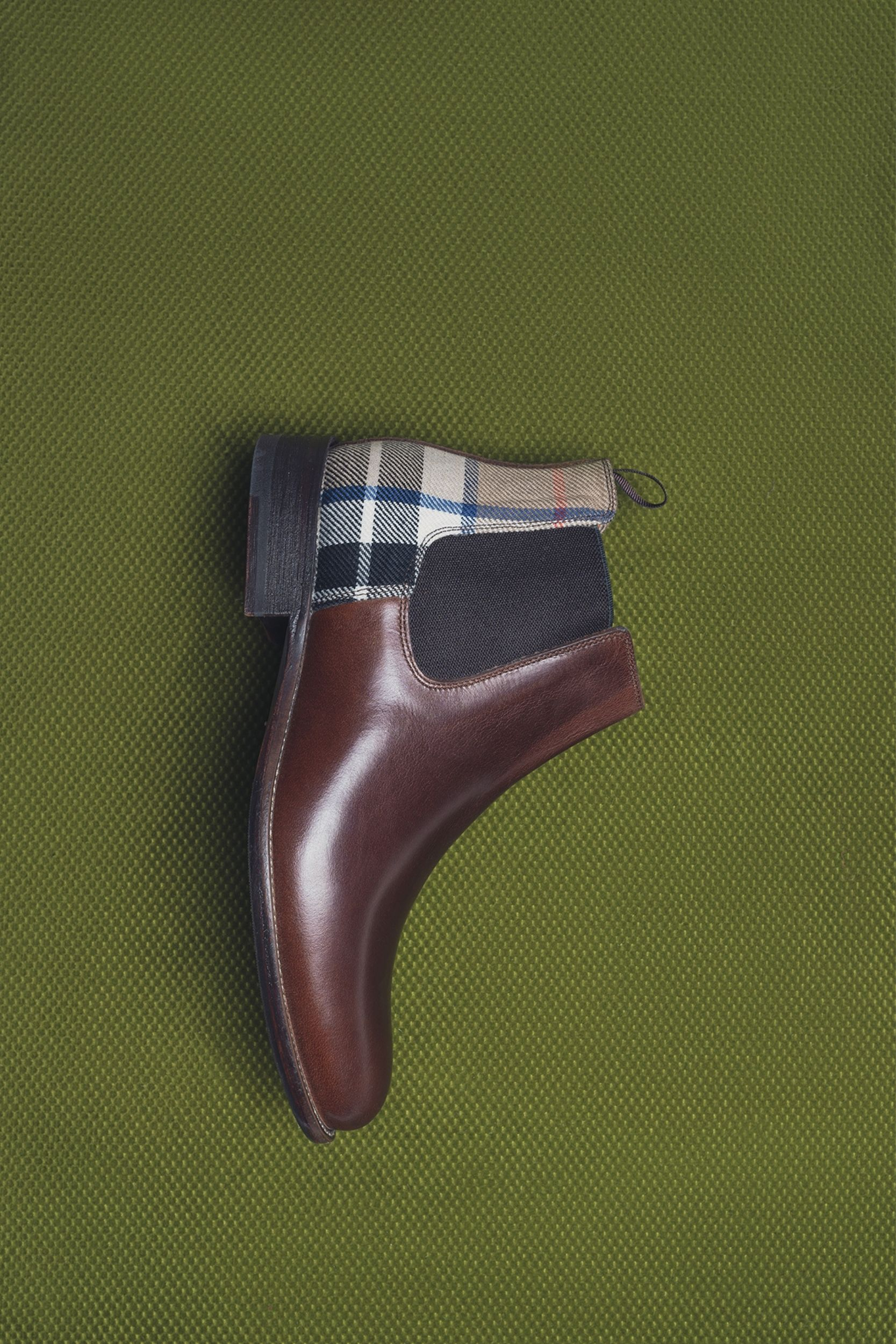 royal scotland chelsea boots from liebre style collection inspired in scotland