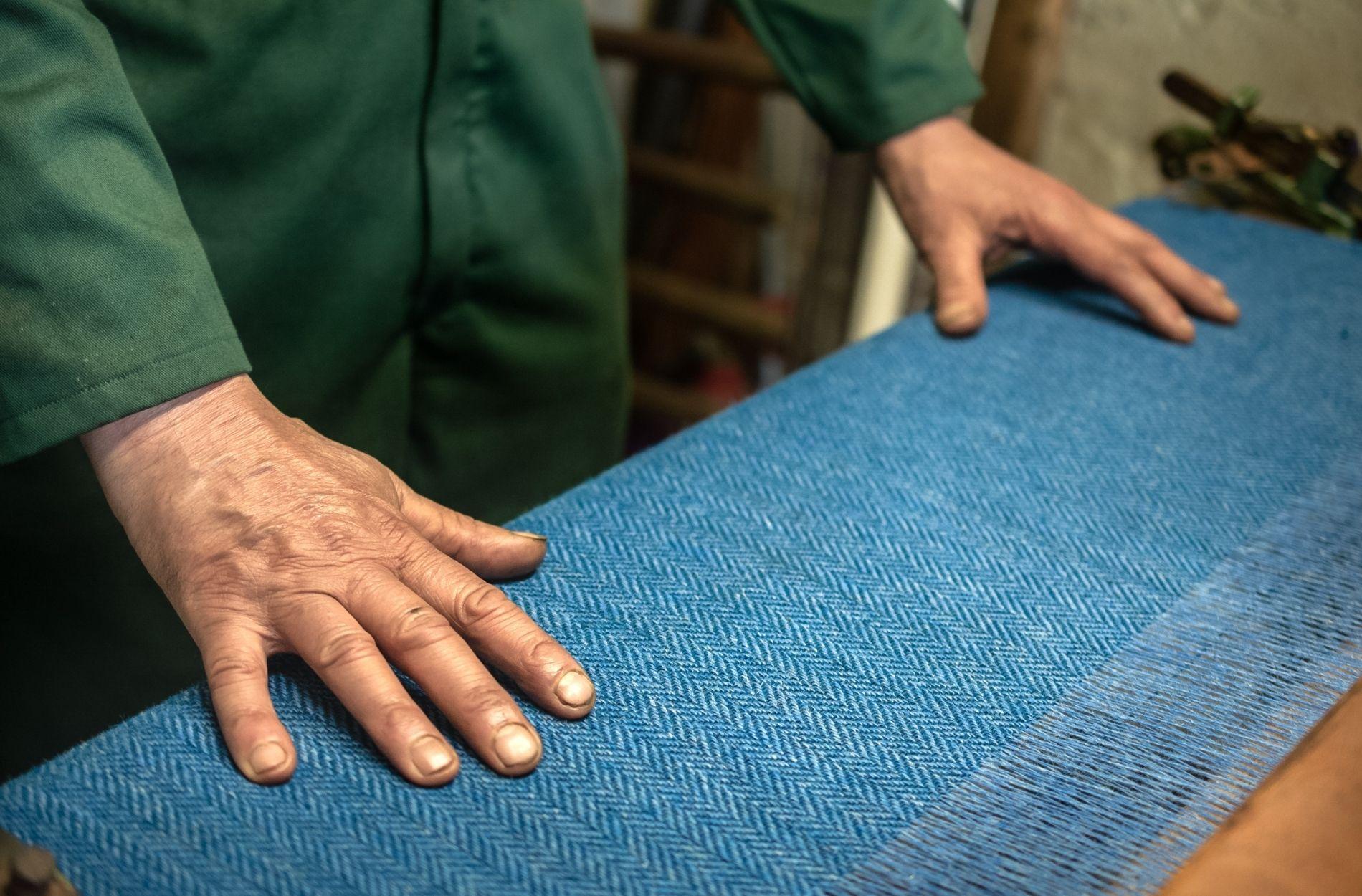 herring bone tweed handwoven for liebre style