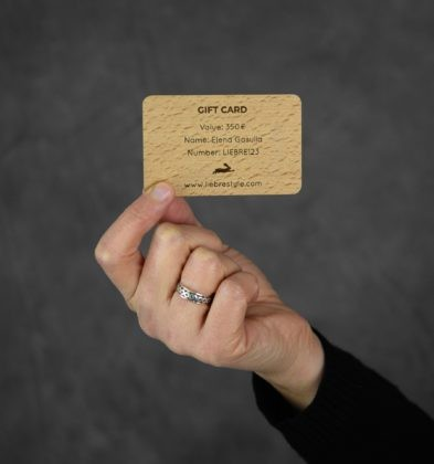 gift card in wood and personalised with name